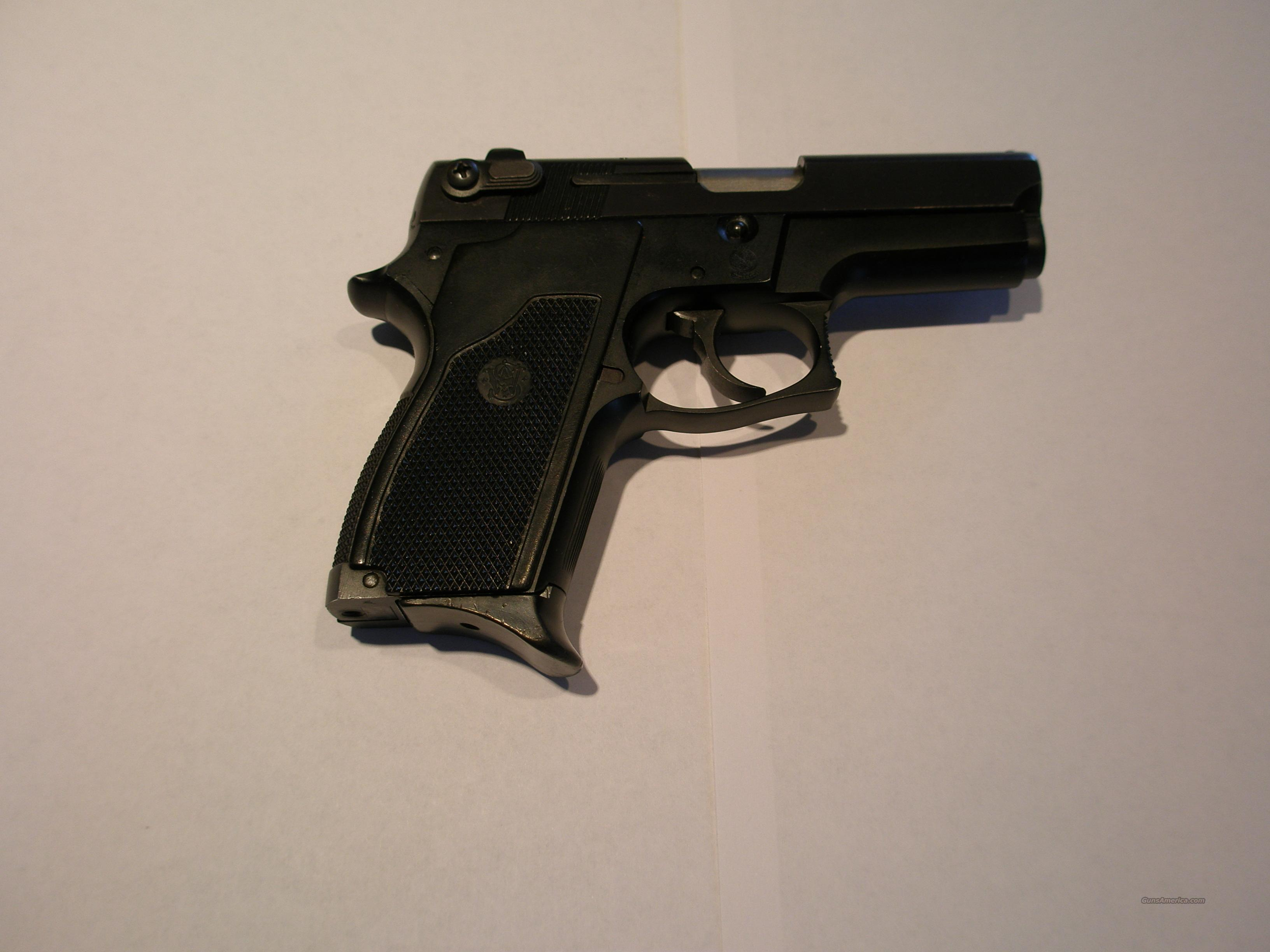 S&W 469  Guns > Pistols > Smith & Wesson Pistols - Autos > Steel Frame