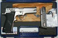 Smith and Wesson Model 5906  Guns > Pistols > Smith & Wesson Pistols - Autos > Steel Frame