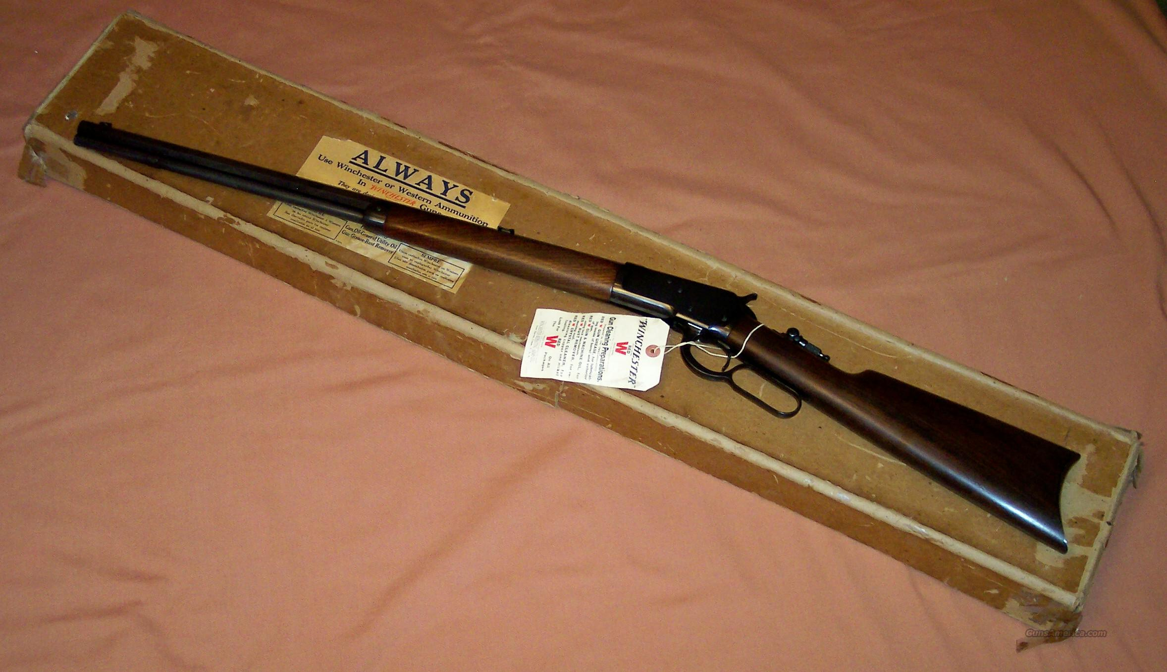 Winchester 1892 Rifle, New in Box, Unfired, c. 1910-45  Guns > Rifles > Winchester Rifles - Modern Lever > Other Lever > Pre-64