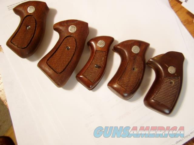 DISCONTINUED NEW  CHARTER ARMS WOOD GRIPS  Non-Guns > Gunstocks, Grips & Wood