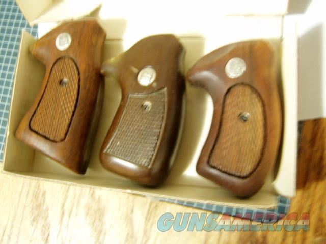 NEW FACTORY CHARTER ARMS TARGET OVERSIZED GRIPS WAS $49 NOW $ 35  Non-Guns > Gunstocks, Grips & Wood