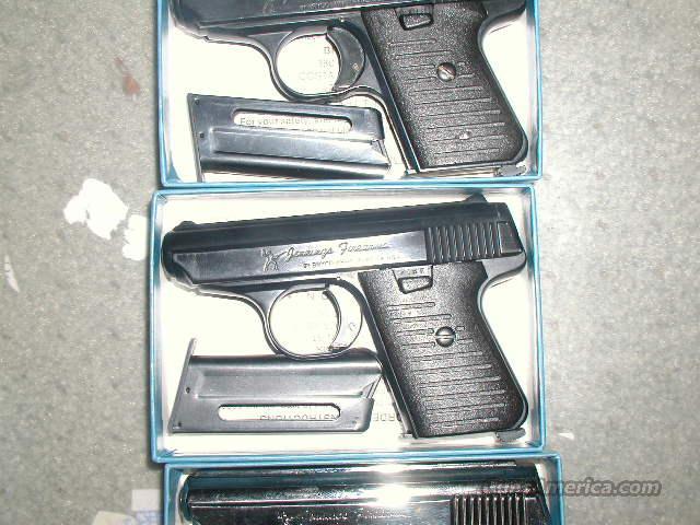 Jenning J-22 Blue 2 Clips  Guns > Pistols > Jennings Pistols