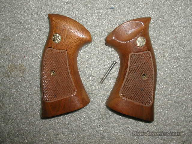 **MUST CALL**WALNUT TARGET S&W GRIPS SQUARE BUTT  Non-Guns > Gunstocks, Grips & Wood