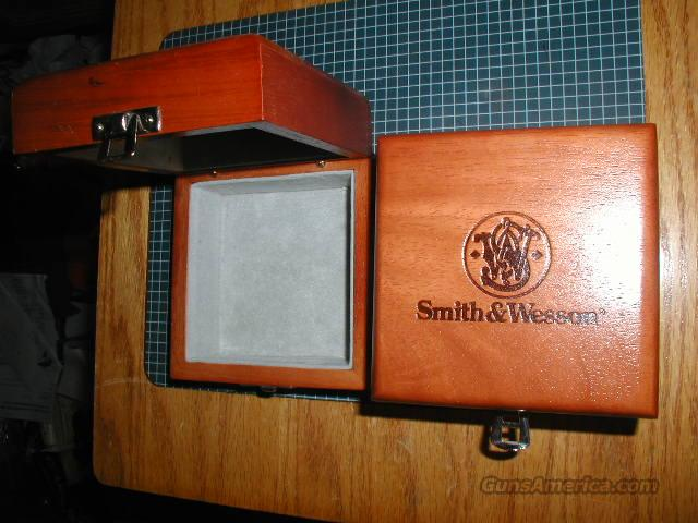 S&W WOOD NIGHTSTAND  BOX  Non-Guns > Logo & Clothing Merchandise