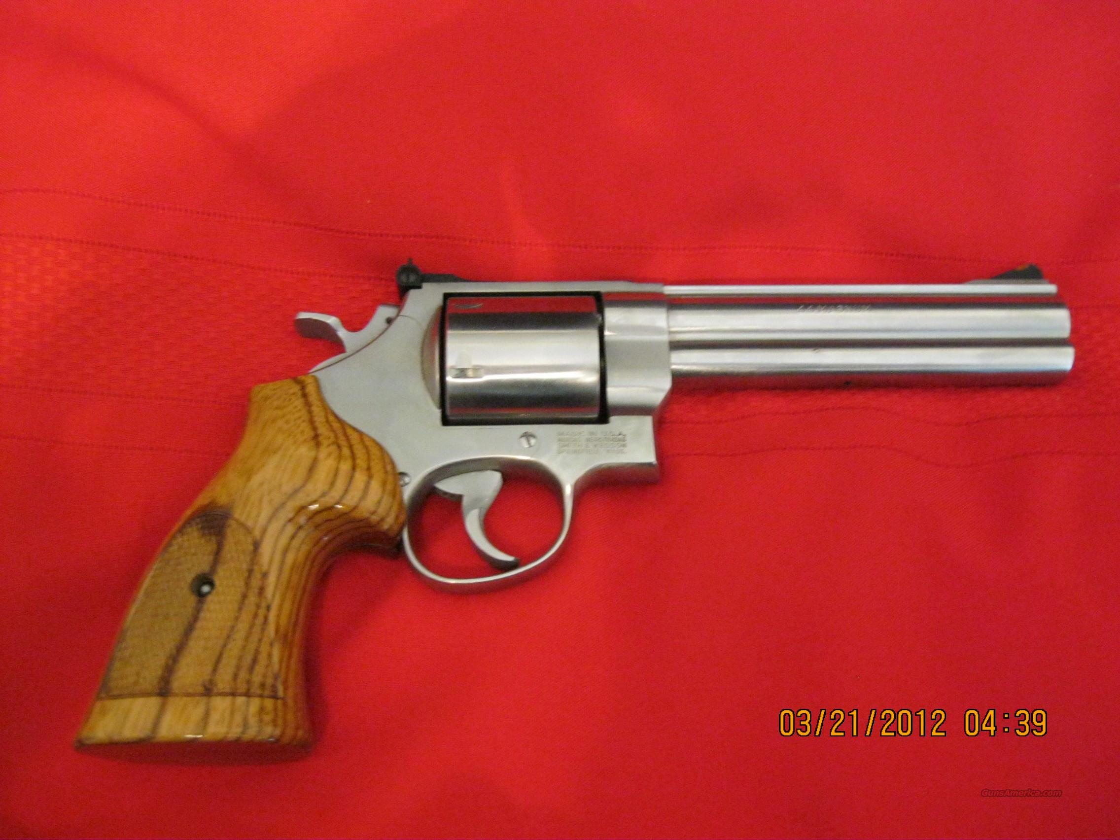Similiar Smith And Wesson Model 629 Classic Hunter Keywords