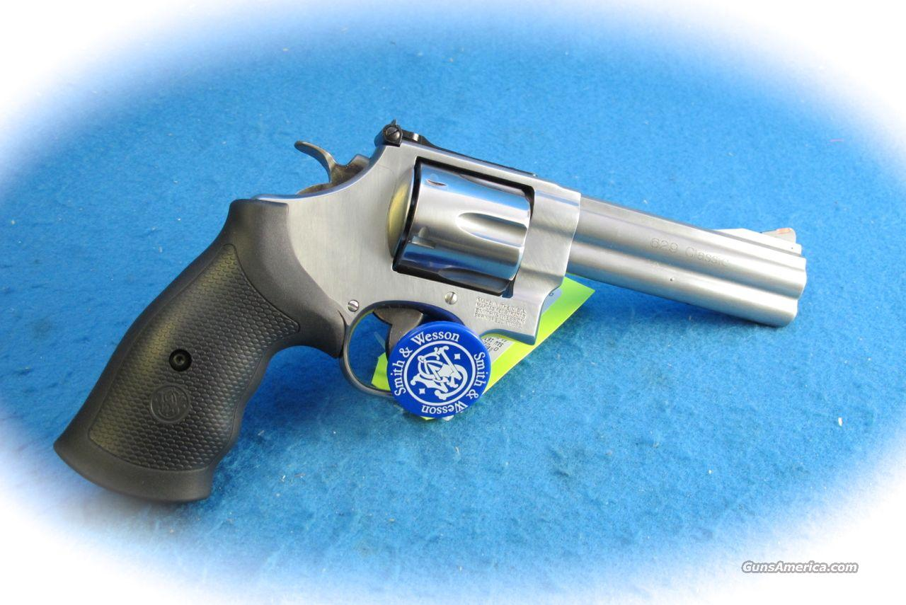 Smith & Wesson Model 629 Classic 5 Inch .44 Mag Revolver **New**  Guns > Pistols > Smith & Wesson Revolvers > Model 629