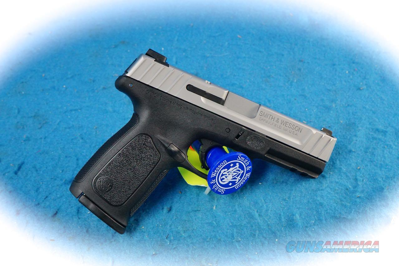 Smith & Wesson SD40 VE .40 S&W Cal Pistol Model 223400 **New**  Guns > Pistols > Smith & Wesson Pistols - Autos > Polymer Frame