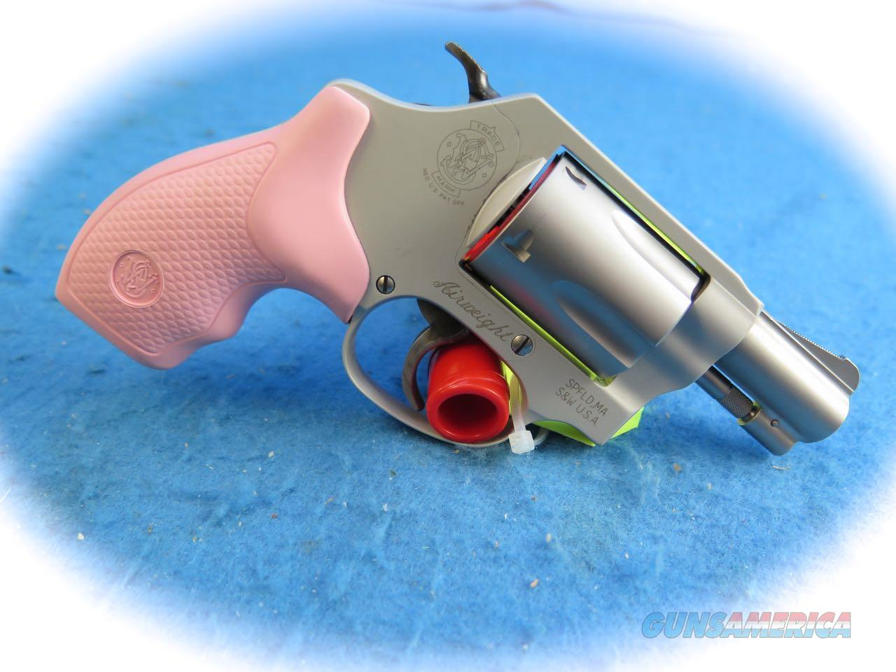 Smith & Wesson Model 637 .38 Spl +P Airweight Revolver W/Pink Grips **New**  Guns > Pistols > Smith & Wesson Revolvers > Small Frame ( J )