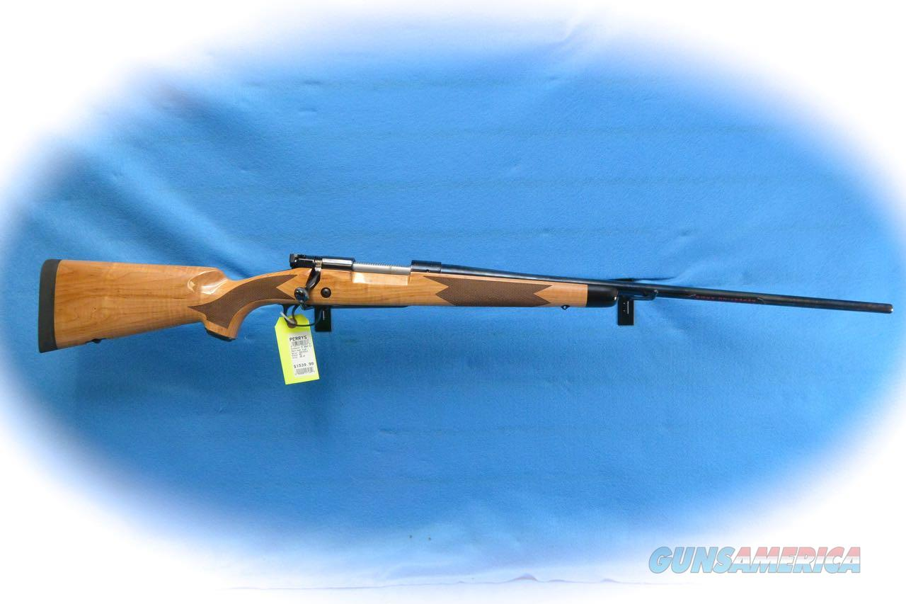 Winchester Model 70 Super Grade Maple  .300 Win Mag Bolt Action Rifle **New**  Guns > Rifles > Winchester Rifles - Modern Bolt/Auto/Single > Model 70 > Post-64