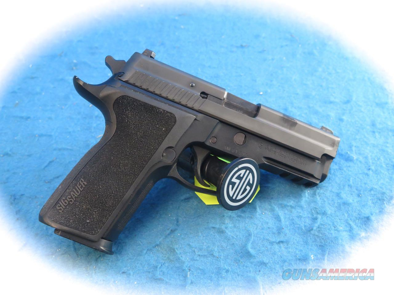 Sig Sauer P229 .40 S&W Cal Pistol W/Extras **Used**  Guns > Pistols > Sig - Sauer/Sigarms Pistols > P229