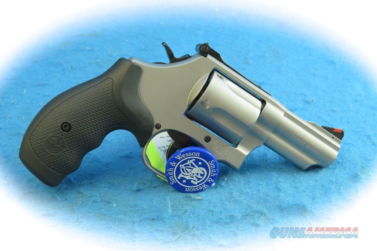 Smith & Wesson Model 69 Combat Magnum SS .44 Mag Revolver SKU 10064 **New**  Guns > Pistols > Smith & Wesson Revolvers > Med. Frame ( K/L )