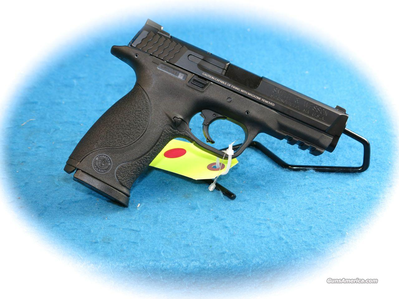 Smith & Wesson M&P40 Semi Auto .40 S&W Pistol No Thumb Safety **New**  Guns > Pistols > Smith & Wesson Pistols - Autos > Polymer Frame