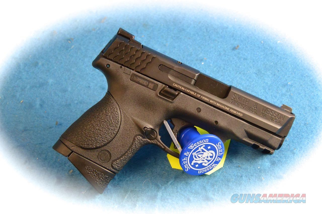 Smith & Wesson M&P9c 9mm Compact Pistol Model 209304 **New**  Guns > Pistols > Smith & Wesson Pistols - Autos > Polymer Frame