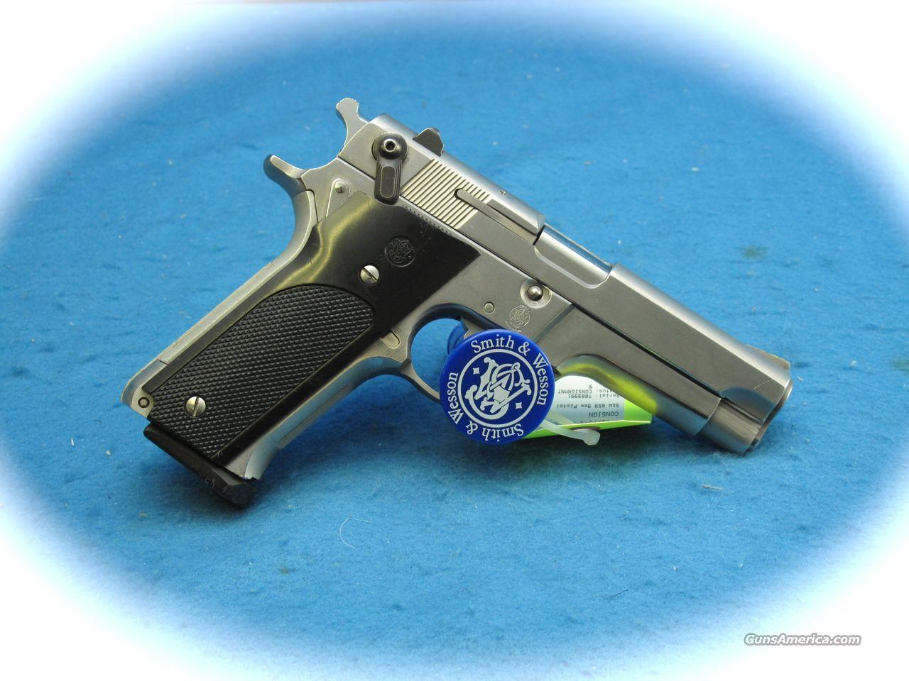 Smith & Wesson Model 659 9mm Semi Auto Pistol **USED**  Guns > Pistols > Smith & Wesson Pistols - Autos > Steel Frame
