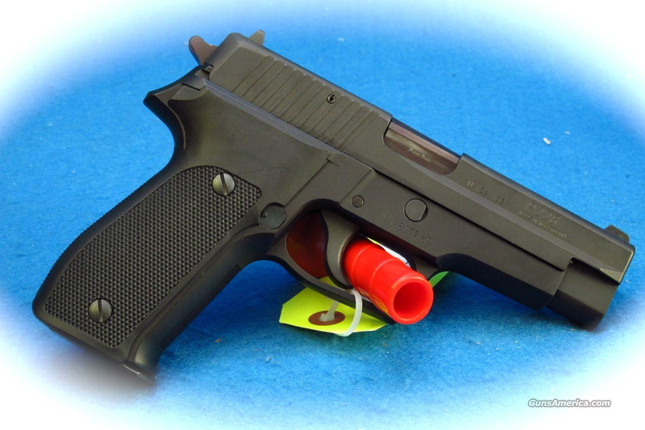 Sig Sauer P226 9mm Pistol Made in W Germany **Used**  Guns > Pistols > Sig - Sauer/Sigarms Pistols > P226
