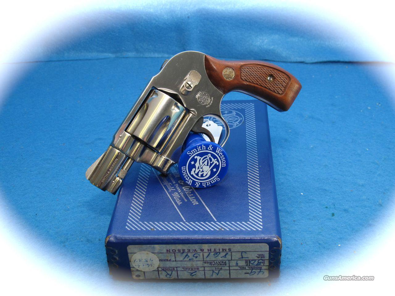 Smith & Wesson Model 49 Bodyguard Nickel 38 Spl 2 Inch **LIKE NEW**  Guns > Pistols > Smith & Wesson Revolvers > Pocket Pistols