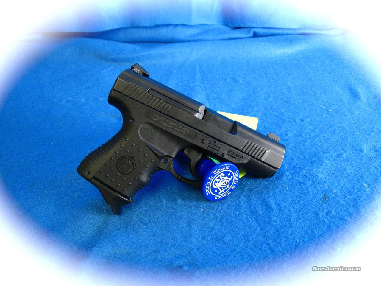 Smith & Wesson 990L 40 S&W Sub Compact **NEW**  Guns > Pistols > Smith & Wesson Pistols - Autos > Polymer Frame