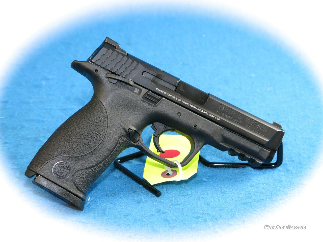 Smith & Wesson M&P9 9mm Semi Auto Pistol w/Thumb Safety **New**  Guns > Pistols > Smith & Wesson Pistols - Autos > Polymer Frame