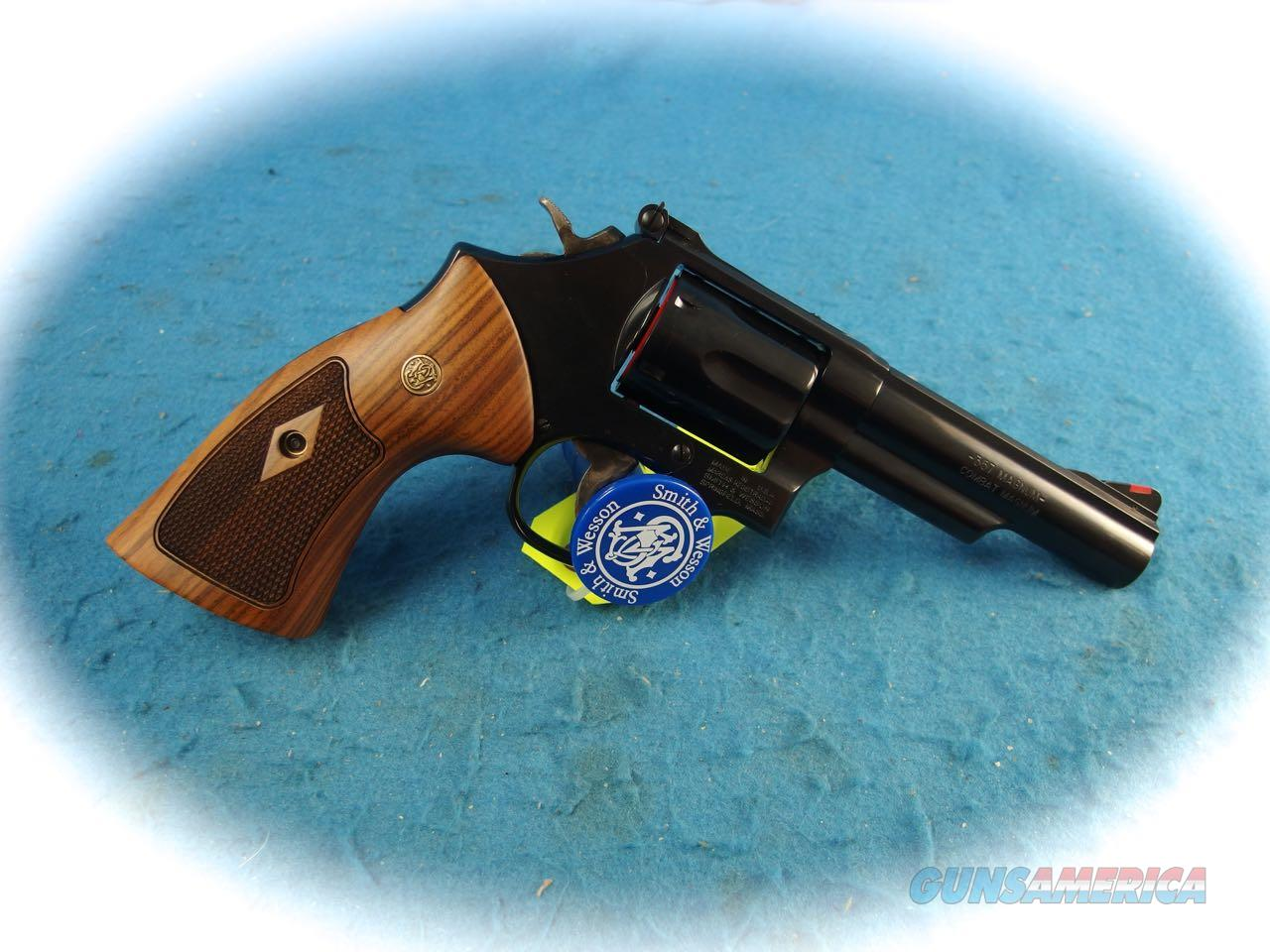 Smith & Wesson Model 19 Classic .357 Mag Revolver **New**  Guns > Pistols > Smith & Wesson Revolvers > Med. Frame ( K/L )