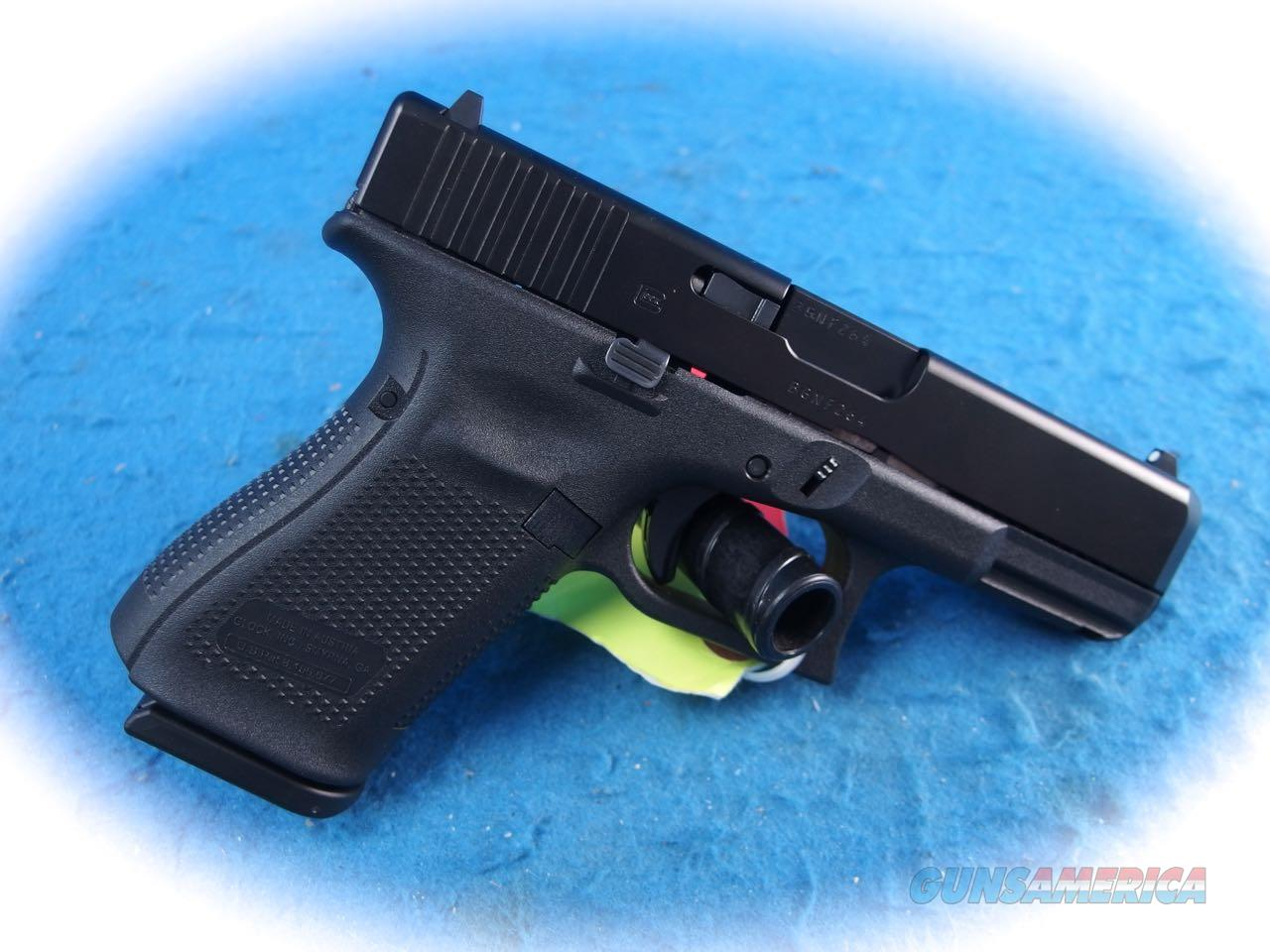 Glock 19 Gen 5 9mm Semi Auto Pistol **New**  Guns > Pistols > Glock Pistols > 19