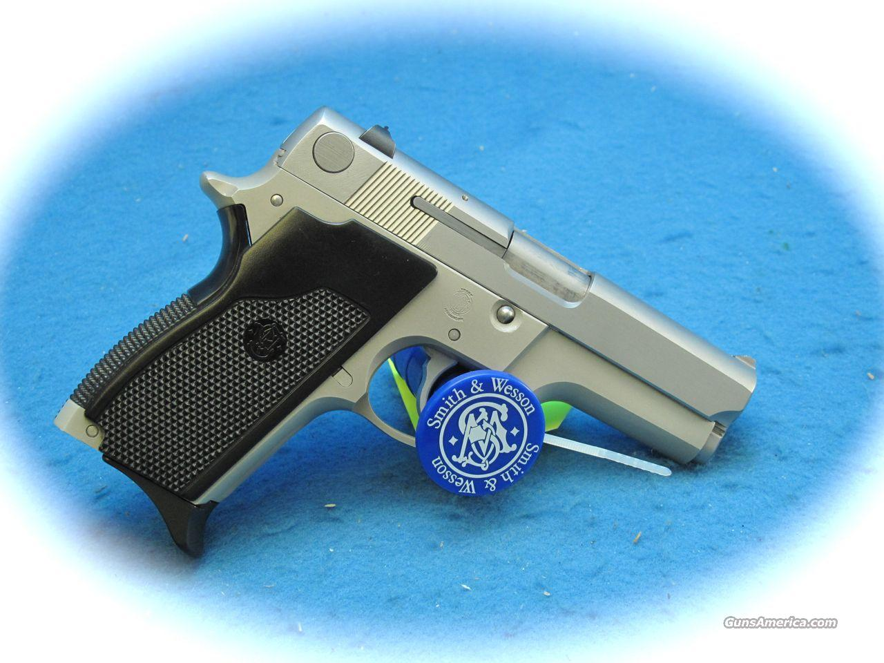 Smith & Wesson Model 669 9mm Pistol **USED**  Guns > Pistols > Smith & Wesson Pistols - Autos > Steel Frame
