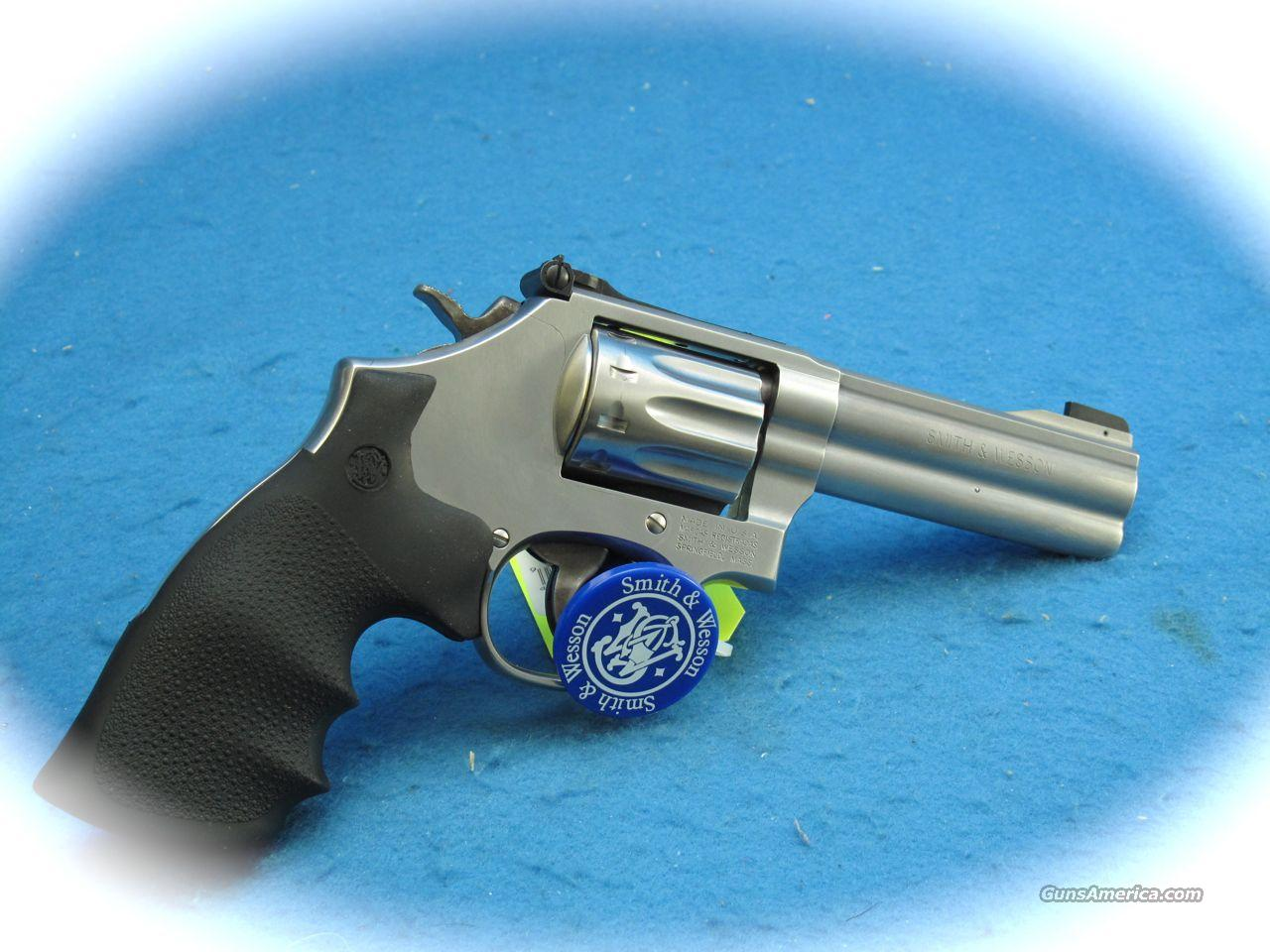 Smith & Wesson Model 617 22 Cal Revolver 4 inch Bbl **NEW**  Guns > Pistols > Smith & Wesson Revolvers > Full Frame Revolver