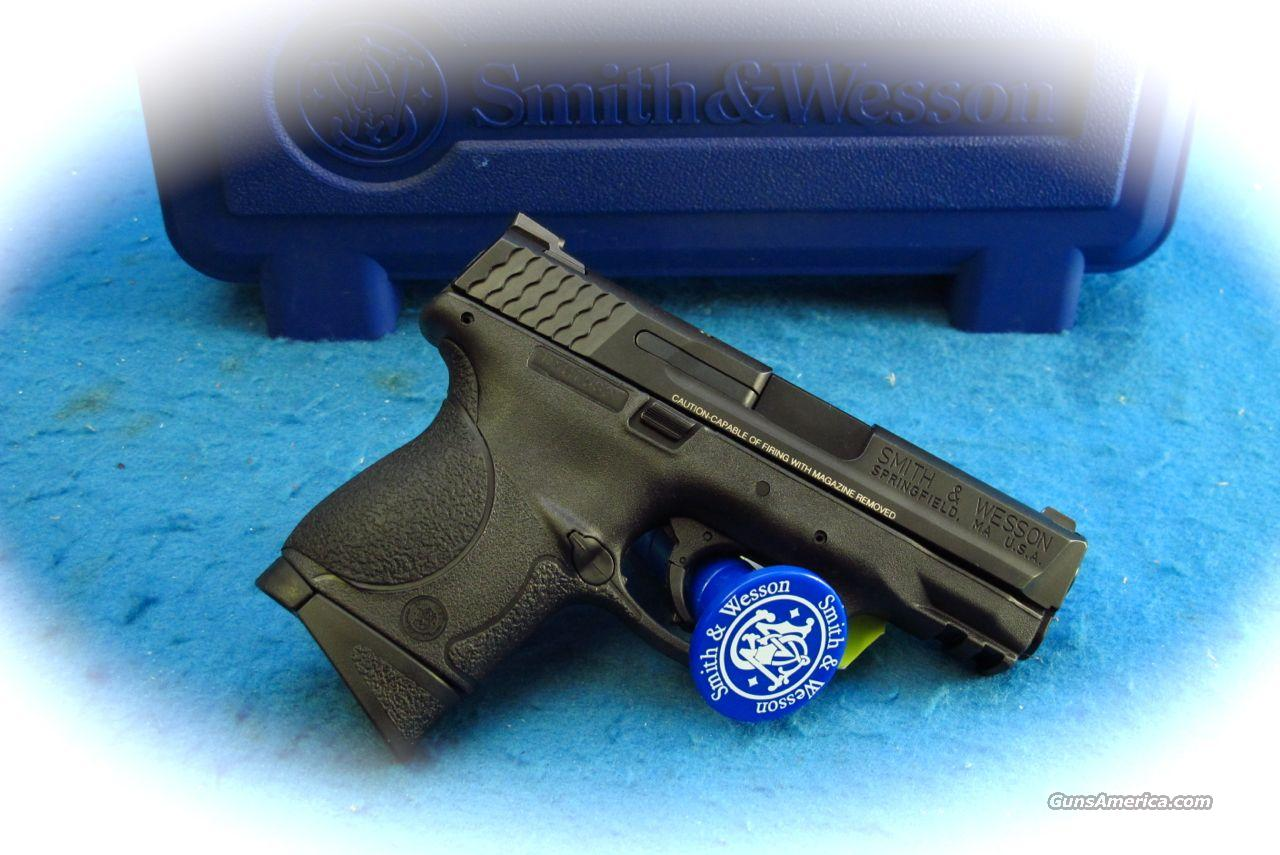 Smith & Wesson M&P9C 9mm Compact Pistol **New**  Guns > Pistols > Smith & Wesson Pistols - Autos > Polymer Frame