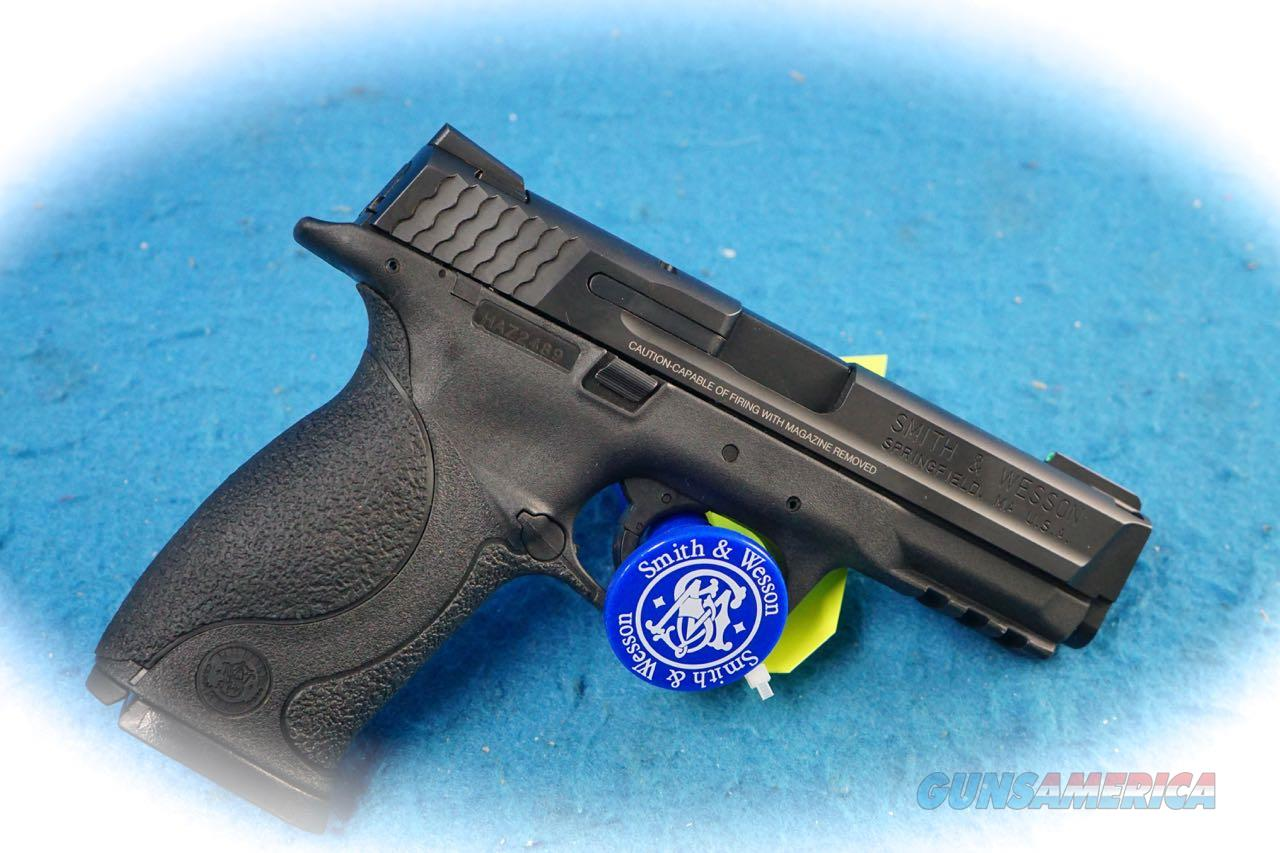 Smith & Wesson M&P40 Full Size .40 S&W Cal Pistol W/Accessories **Used**  Guns > Pistols > Smith & Wesson Pistols - Autos > Polymer Frame