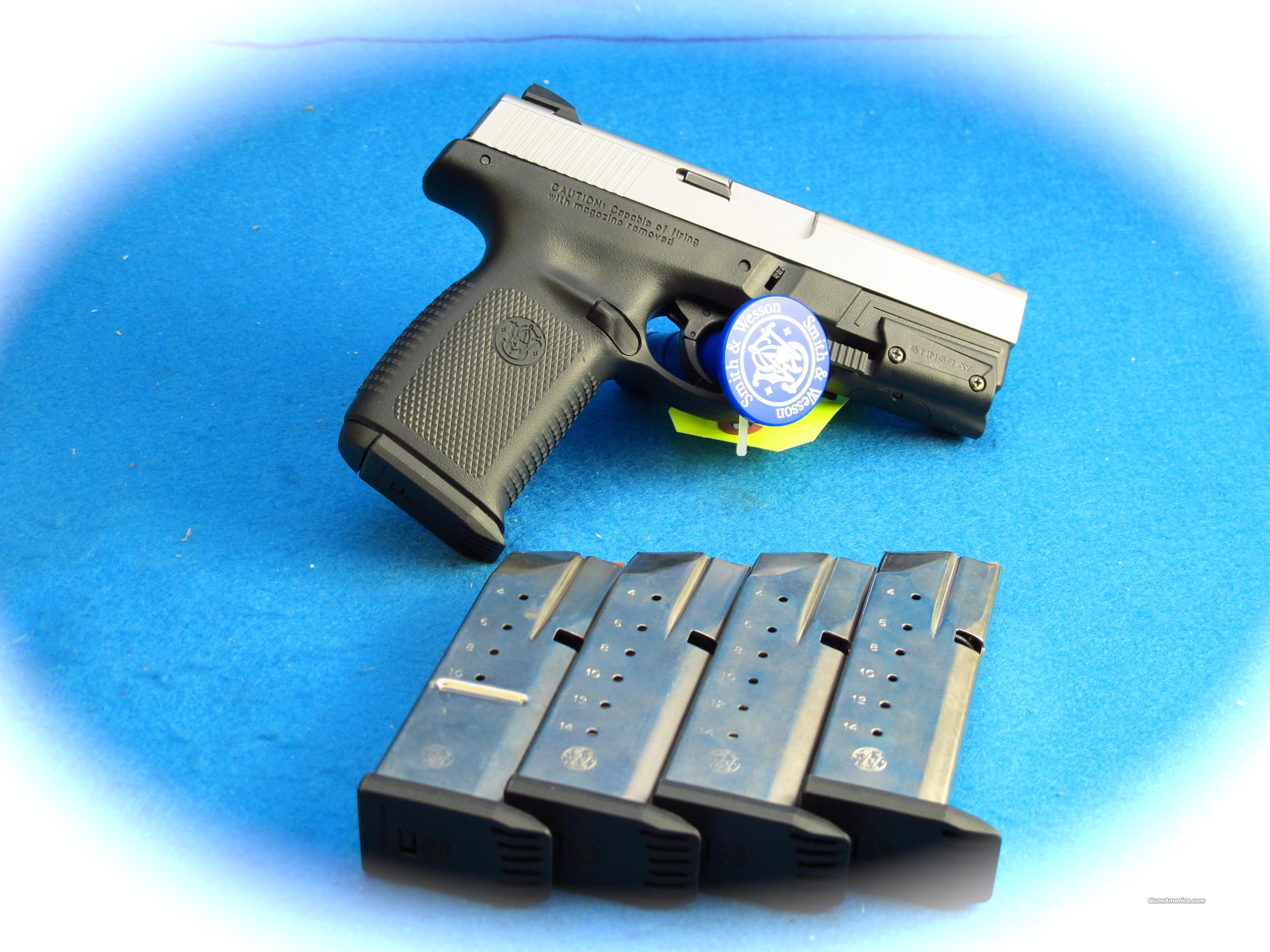 Smith & Wesson Sigma 40S&W w/ Laser & 5 Mags **Used**  Guns > Pistols > Smith & Wesson Pistols - Autos > Polymer Frame