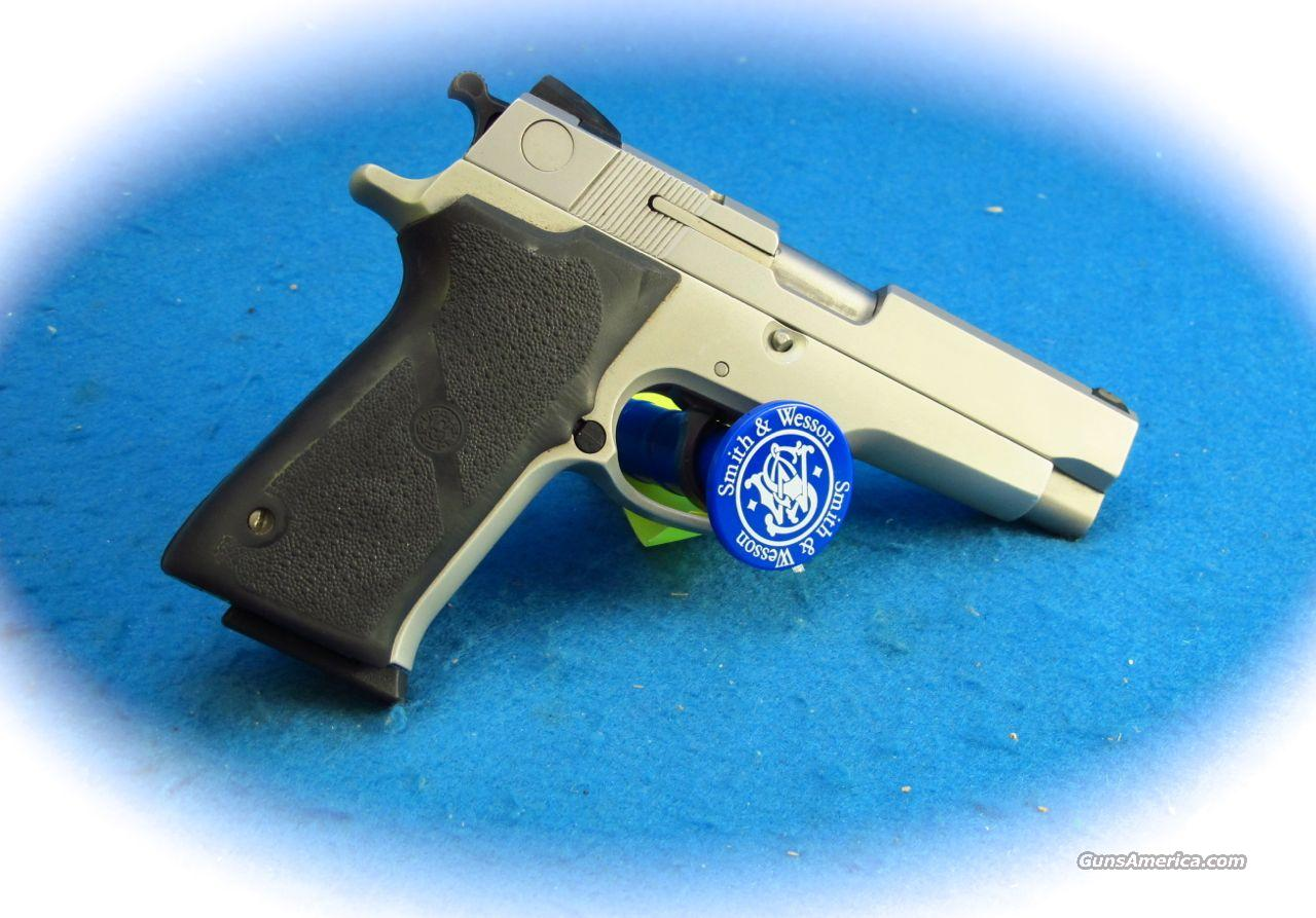 Smith & Wesson Model 910S 9mm PIstol **Used**  Guns > Pistols > Smith & Wesson Pistols - Autos > Alloy Frame