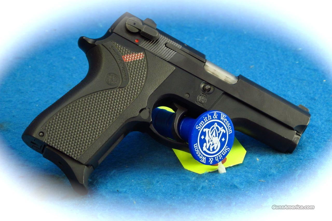 Smith & Wesson Model 469 9mm Pistol **Used**  Guns > Pistols > Smith & Wesson Pistols - Autos > Alloy Frame