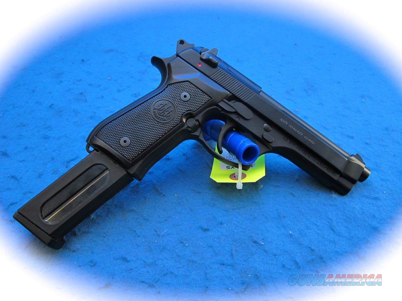 Beretta M9 9mm Semi Auto Pistol w/ Accessories **Used**  Guns > Pistols > Beretta Pistols > M9