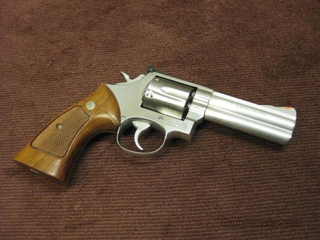 SMITH & WESSON 686 (NO DASH) .357 MAGNUM - 4-INCH - EARLY 1980'S - NEAR MINT !  Guns > Pistols > Smith & Wesson Revolvers > Full Frame Revolver
