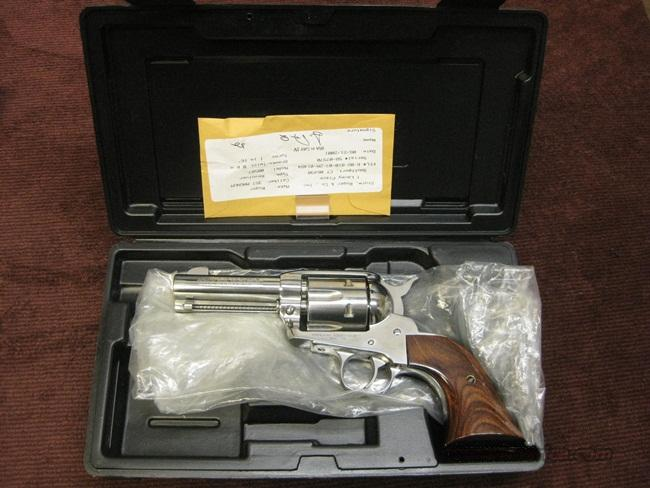 RUGER OLD VAQUERO .357 SHERIFF'S MODEL - 3 3/4-INCH - STAINLESS - MINT IN BOX  Guns > Pistols > Ruger Single Action Revolvers > Cowboy Action