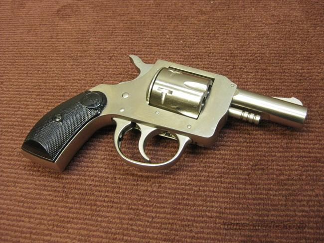H&R 733 .32 S&W - 2 1/2-INCH - NICKEL - MINT !  Guns > Pistols > Harrington & Richardson Pistols