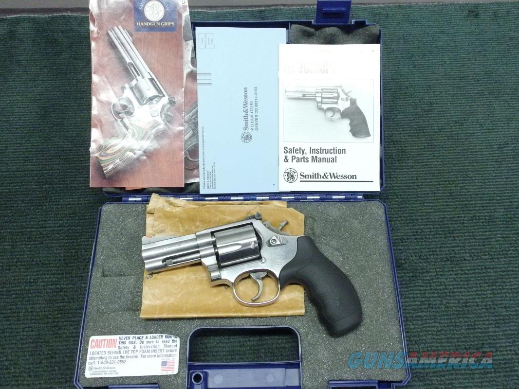 SMITH & WESSON MODEL 696 (NO DASH) - .44 SPL. - 3-INCH - STAINLESS - WITH BOX & PAPERS  Guns > Pistols > Smith & Wesson Revolvers > Full Frame Revolver