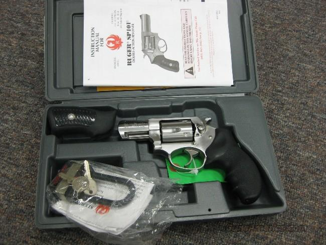 RUGER SP-101 .357MAG. 2 1/4-IN. STAINLESS - AS NEW W/BOX!  Guns > Pistols > Ruger Double Action Revolver > SP101 Type