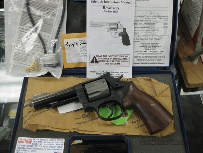 SMITH & WESSON 520 .357 7-SHOT - 4-INCH - AS NEW IN BOX  Guns > Pistols > Smith & Wesson Revolvers > Full Frame Revolver