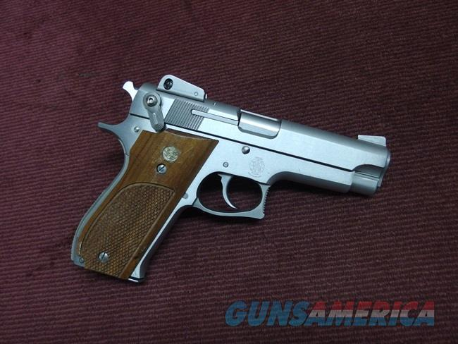 SMITH & WESSON MODEL 639 9MM - STAINLESS - ADJ. SIGHTS - EXCELLENT  Guns > Pistols > Smith & Wesson Pistols - Autos > Steel Frame