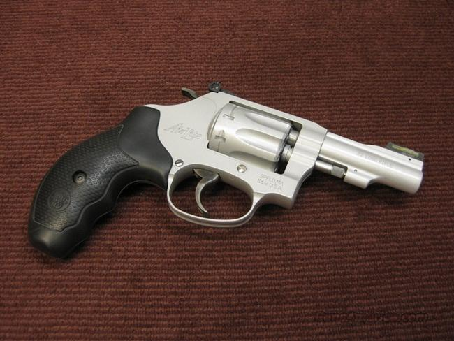 SMITH & WESSON 317-3 AIR-LITE .22LR - 3-INCH - MINT  Guns > Pistols > Smith & Wesson Revolvers > Pocket Pistols