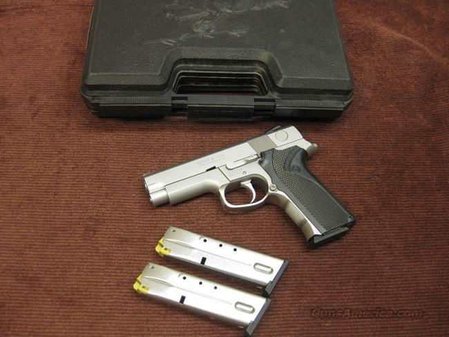 SMITH & WESSON 4046 .40S&W - NEAR MINT WITH THREE MAGS  Guns > Pistols > Smith & Wesson Pistols - Autos > Steel Frame
