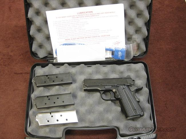 KIMBER SUPER CARRY ULTRA HD - NEAR MINT WITH FOUR MAGAZINES  Guns > Pistols > Kimber of America Pistols