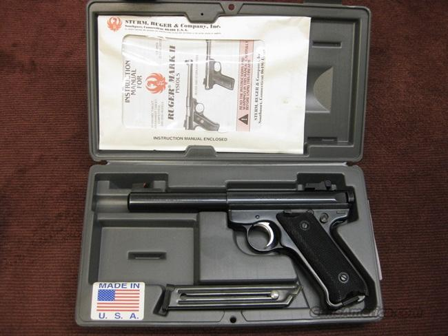 RUGER MARK II TARGET .22LR - 5 1/2-INCH BULL BARREL - NEAR MINT IN BOX - TWO MAGAZINES  Guns > Pistols > Ruger Semi-Auto Pistols > Mark I & II Family
