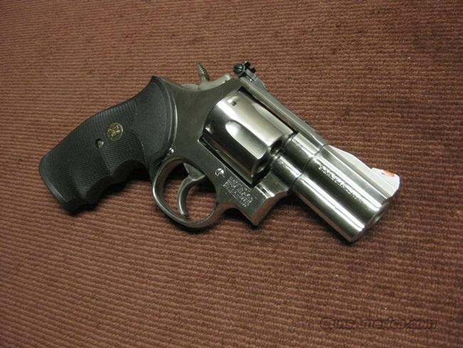 SMITH & WESSON 686-4 .357 MAGNUM - 2 1/2-INCH - BRIGHT STAINLESS - PRE-LOCK - EXCELLENT  Guns > Pistols > Smith & Wesson Revolvers > Full Frame Revolver