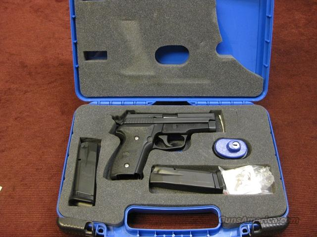 SIG SAUER 229 .40S&W W/BOX & TWO MAGS. - EXCELLENT !  Guns > Pistols > Sig - Sauer/Sigarms Pistols > P229