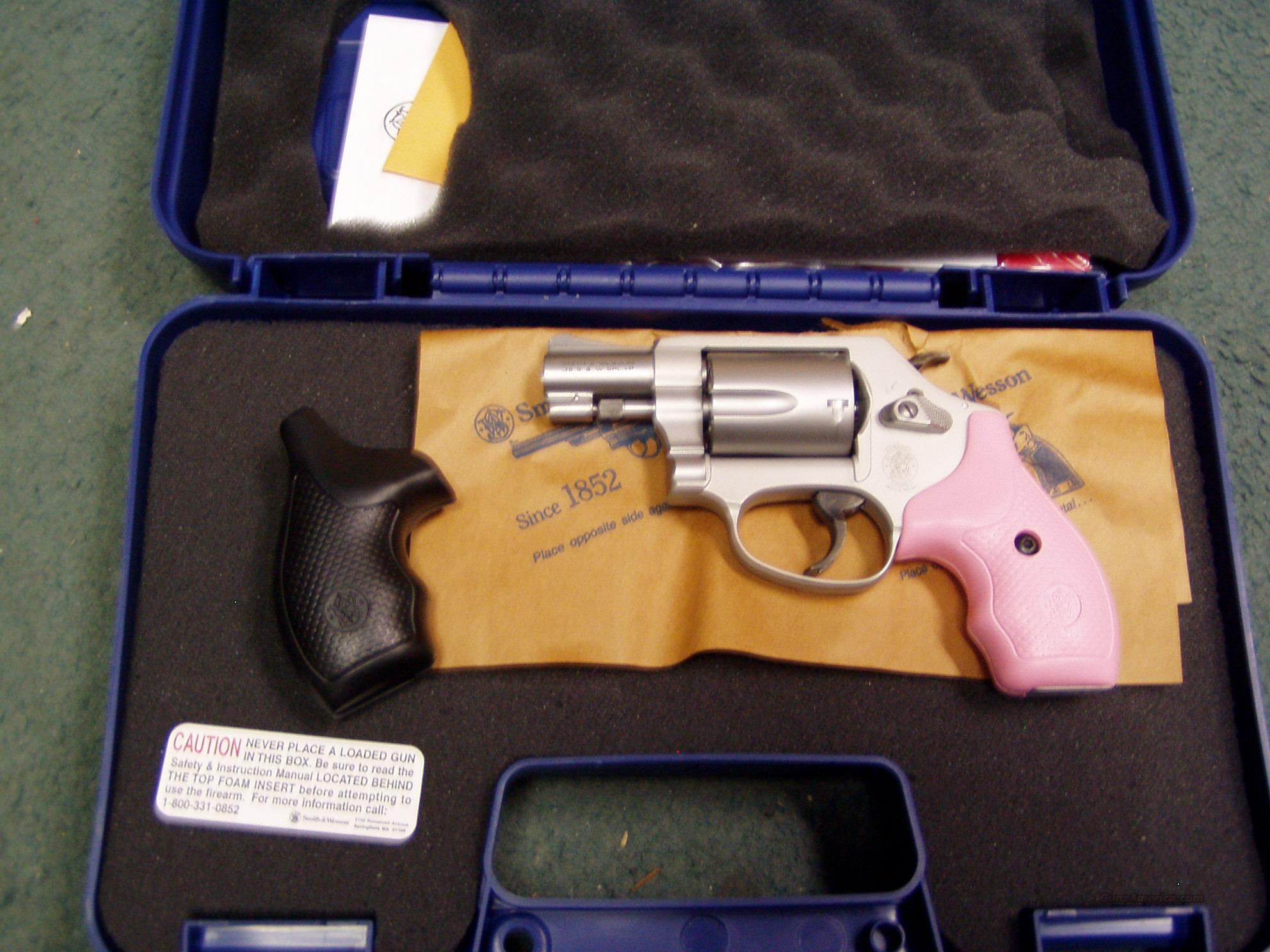 S&W 637/.38SPL WITH BLACK OR PINK GRIPS  Guns > Pistols > Smith & Wesson Revolvers > Pocket Pistols