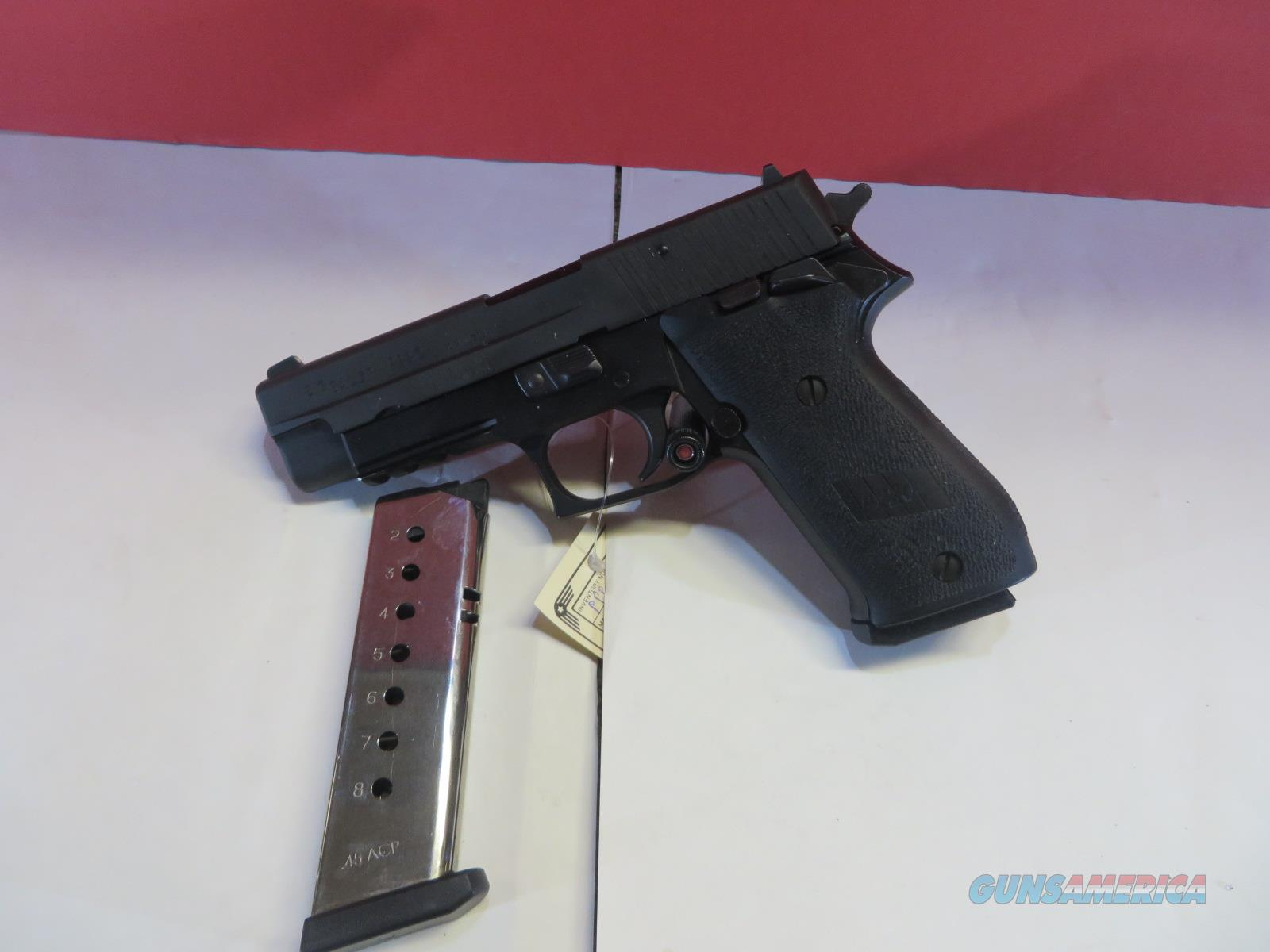 SIG SAUER P220 *MINT CONDITION* *2 EXTRA MAGAZINES*  Guns > Pistols > Sig - Sauer/Sigarms Pistols > P220