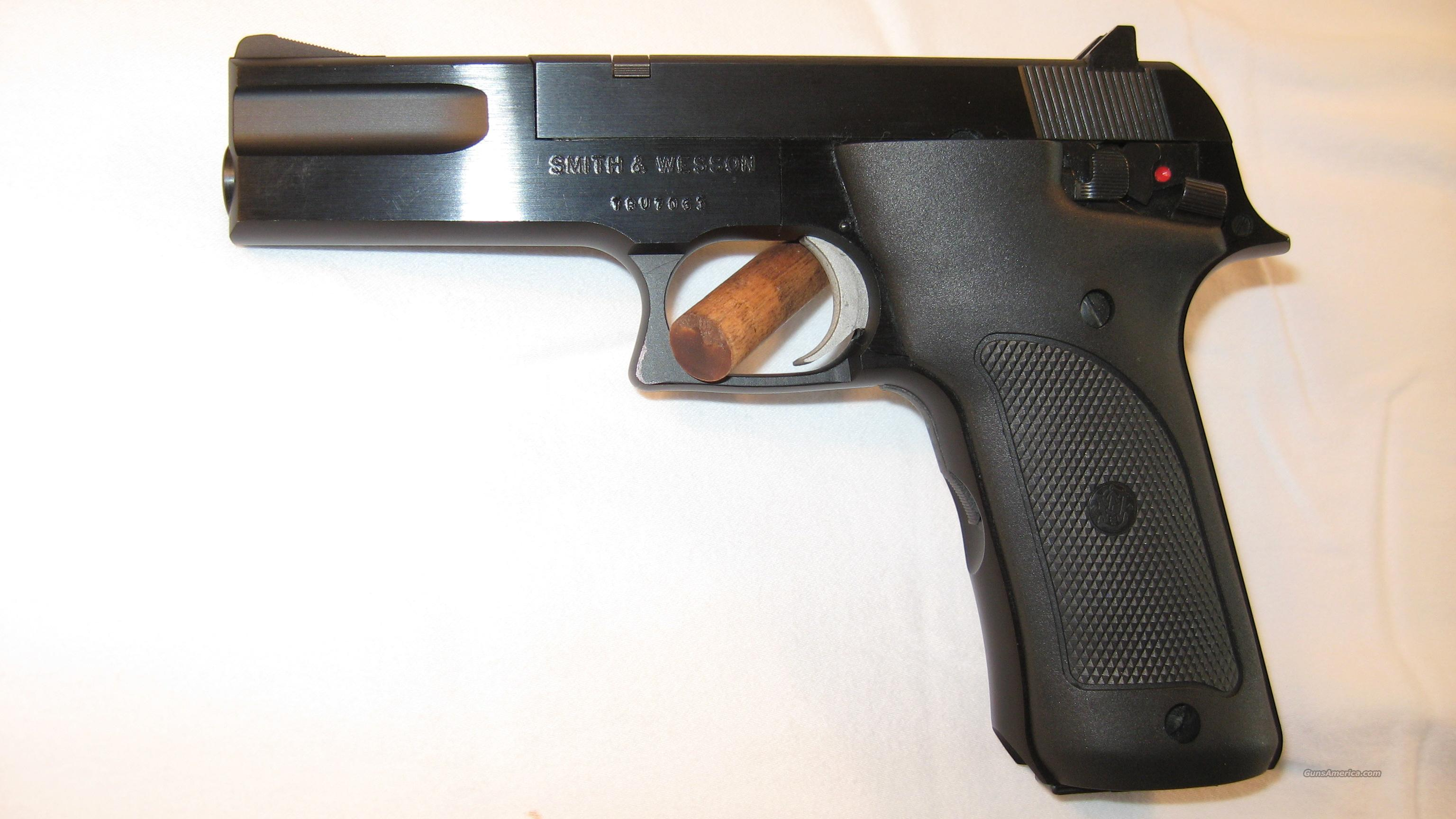 Smith and Wesson Mod. 422  Guns > Pistols > Smith & Wesson Pistols - Autos > .22 Autos