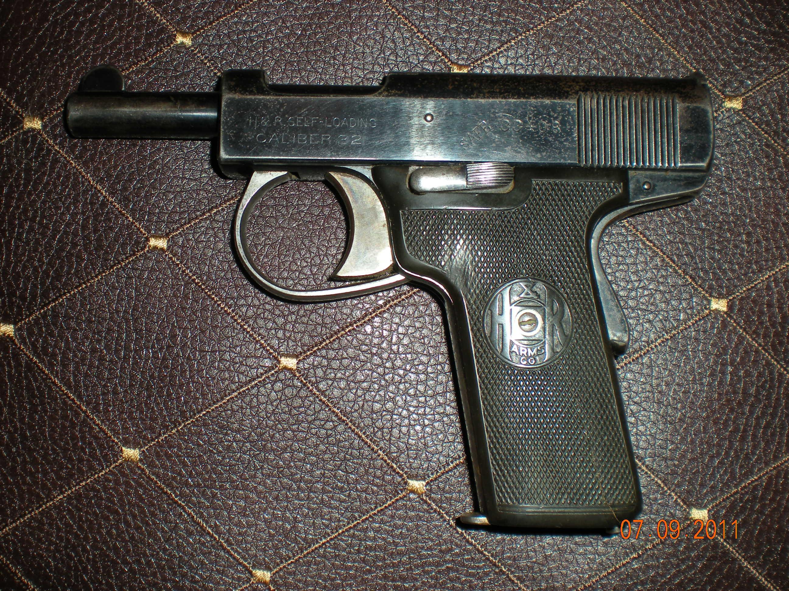 Harrington & Richardson Arms Co .32 acp caliber self loading pistol  Guns > Pistols > Harrington & Richardson Pistols