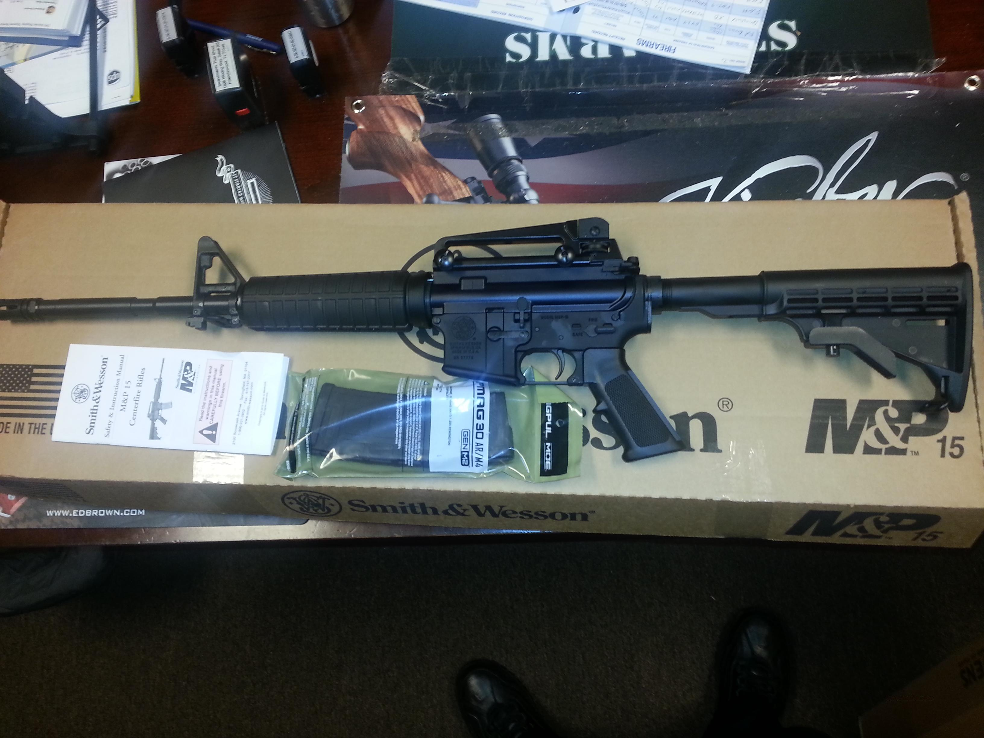 Smith Wessom MP15 5.56 M4 Priced below COST!  Guns > Rifles > Smith & Wesson Rifles > M&P